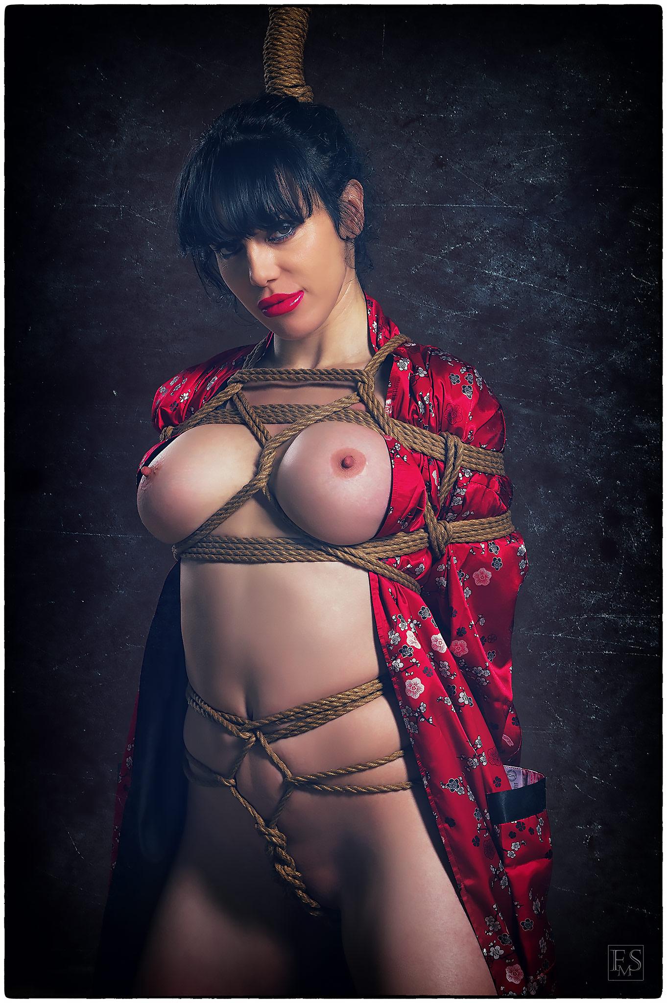 Shibari Red